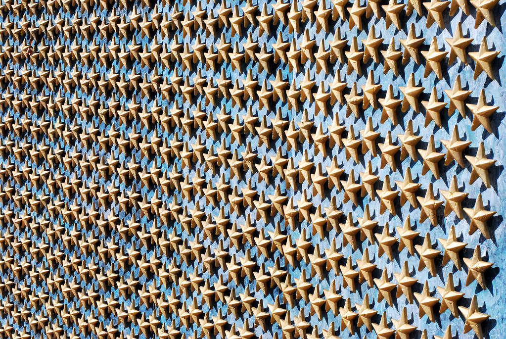 National WWII War Memorials Freedom Wall, each of the 4,048 gold stars represent 100 Americans who died in the war.