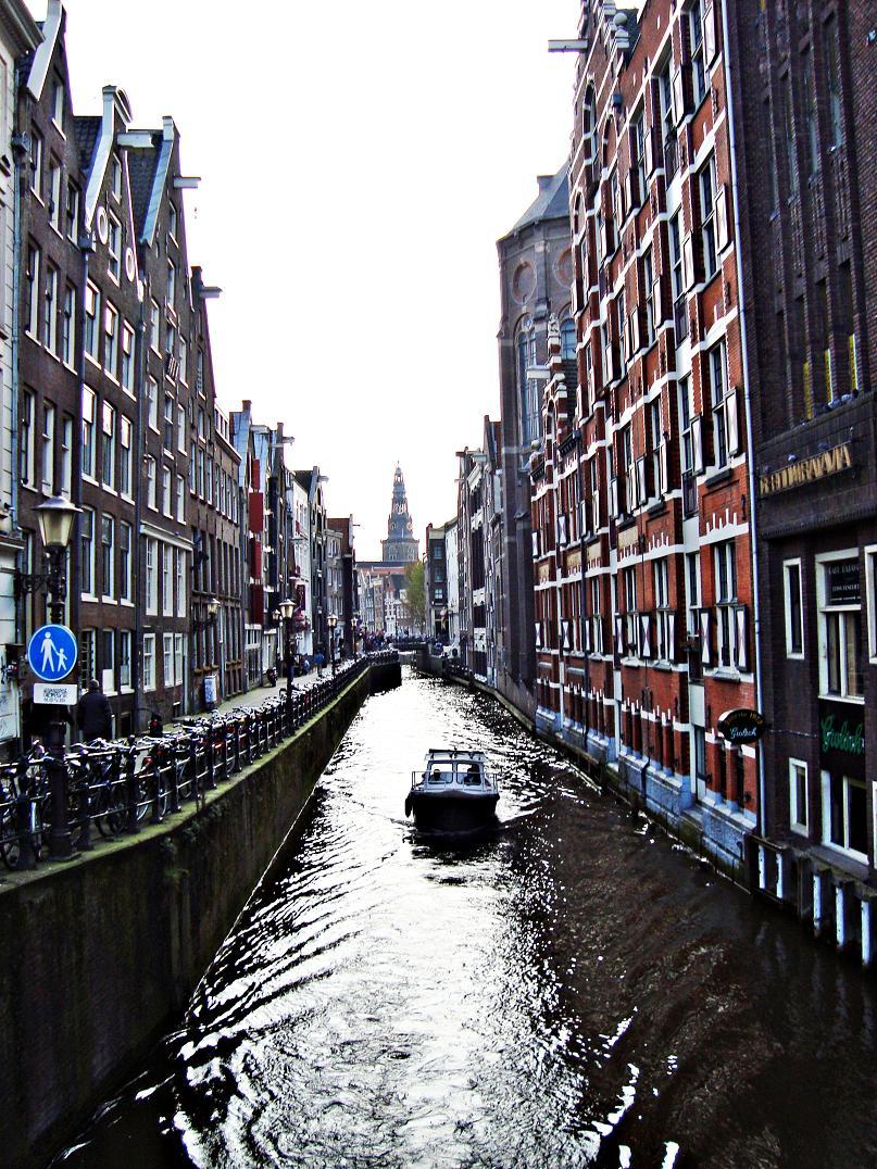kanal v Amsterdame