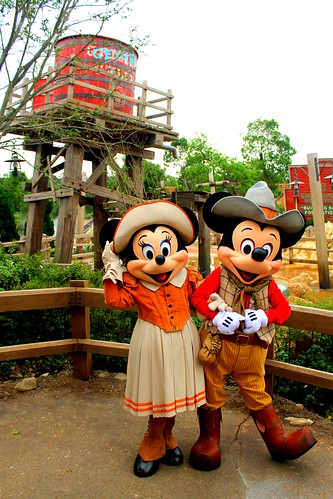 Meeting Prospector Minnie and Mickey