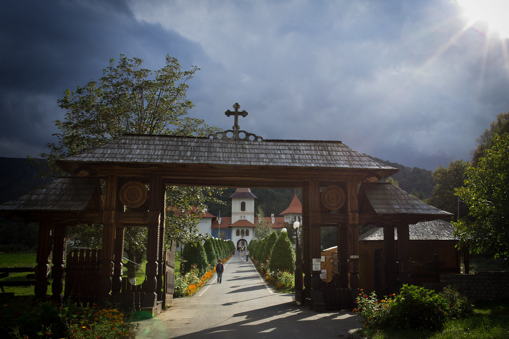 Romania, Mănăstirea Sâmbăta de Sus