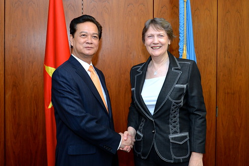 With Prime Minister of Viet Nam Nguyen Tan Dung | by United Nations Development Programme