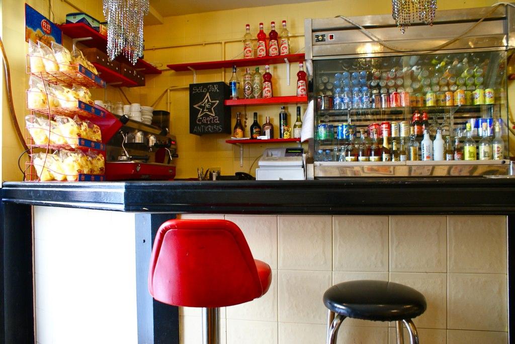 Versailles, bar de quartier dans le quartier de Barcelone de Gracia.