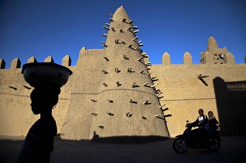 位在廷巴克图的金阁赫柏清真寺(mosquée Djingarey Berre)为联合国教科文组织所颁定的世界遗产。照片来源 MINUSMA/Marco Dormino 2013 - CCBY。
