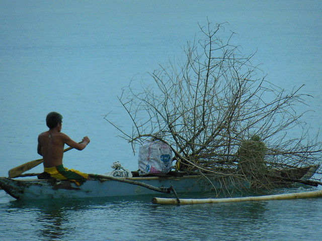 Small-scale fisheries, Dipolog Zamboanga del Norte, Philippines. Photo by Idohna Buendia. WorldFish.