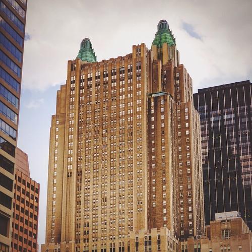 Waldorf-Astoria & Saint Bartholomew's Church, Park Avenue, Manhattan