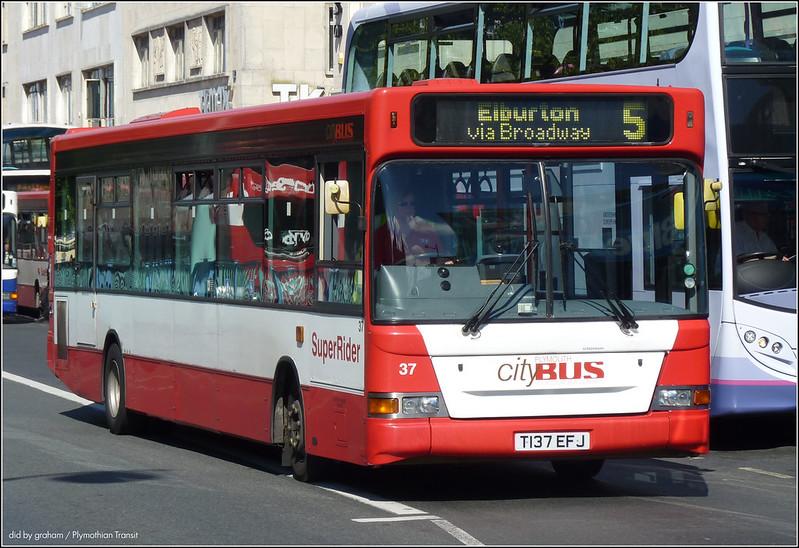 Plymouth Citybus 037 T137EFJ