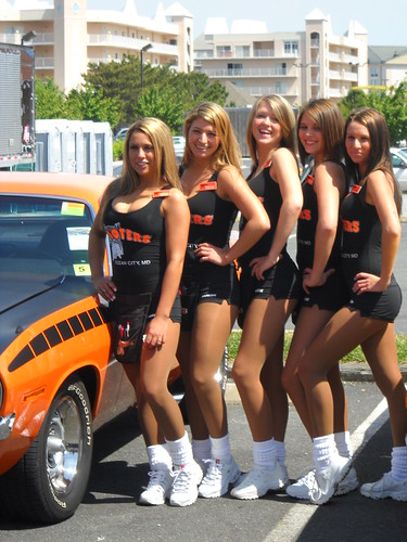 hooters girls in ocean city md