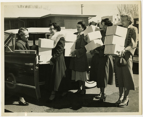 Hospital visiting committee sets out to bring Passover food packages, 1952 | by Center for Jewish History, NYC