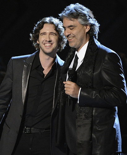 Andrea Bocelli and Josh Groban performig at the Grammys 2008 | by Souran5