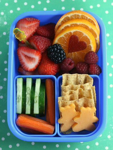 summer snack bento | by anotherlunch.com