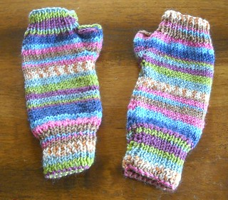 fingerless gloves | by vickivictoria