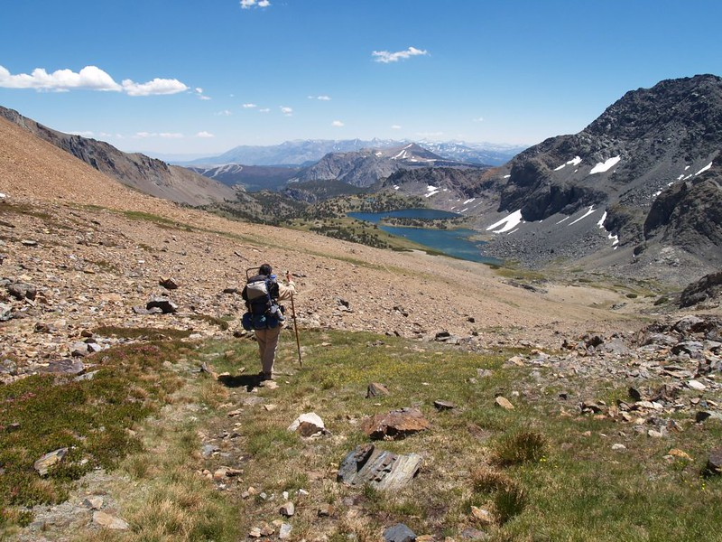 Hiking down to the Alger Lakes from Koip Pass