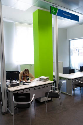 Nova oficina de treball de la seu d urgell l 39 oficina for Oficina de treball