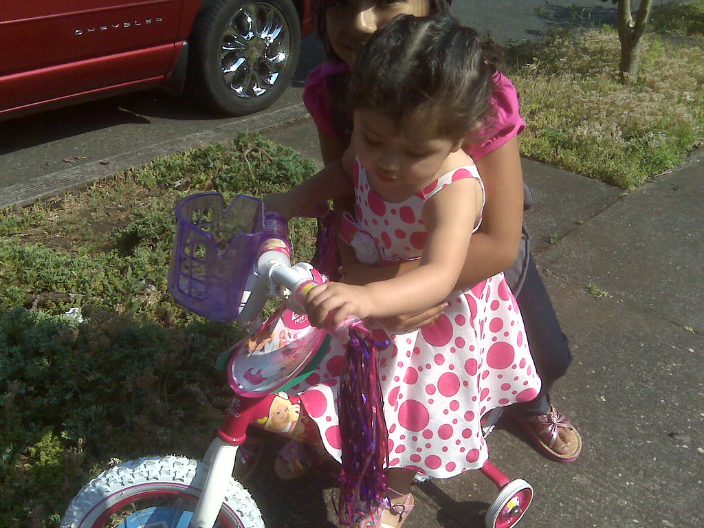 Maya Learns to Bike. 2nd Bday, present from abuelos.