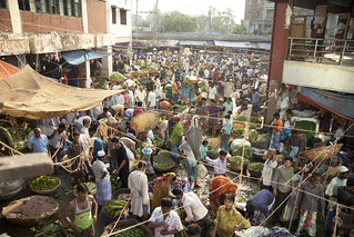 A Crowded Market in Dhaka, Bangladesh | by IFPRI-IMAGES