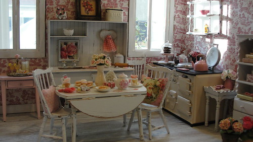 The kitchen in the afternoon | by It's a miniature life...is playing with clay
