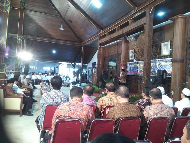 Suasana Tasyakuran Haji Asal Tulungagung di Pendopo Kabupaten (6/10)