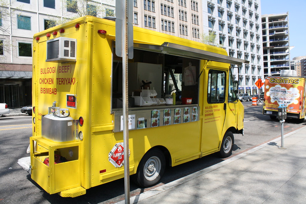 Food truck at Farragut Square, DC. Photo: Elvert Barnes, CC.