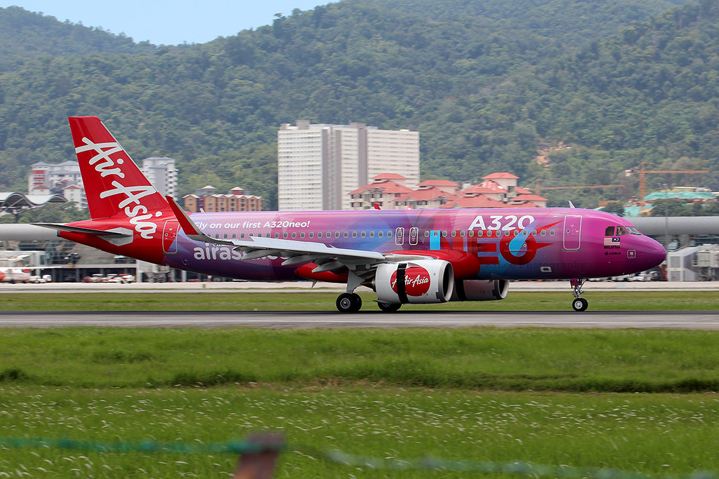 AirAsia A320-251N (9M-NEO)