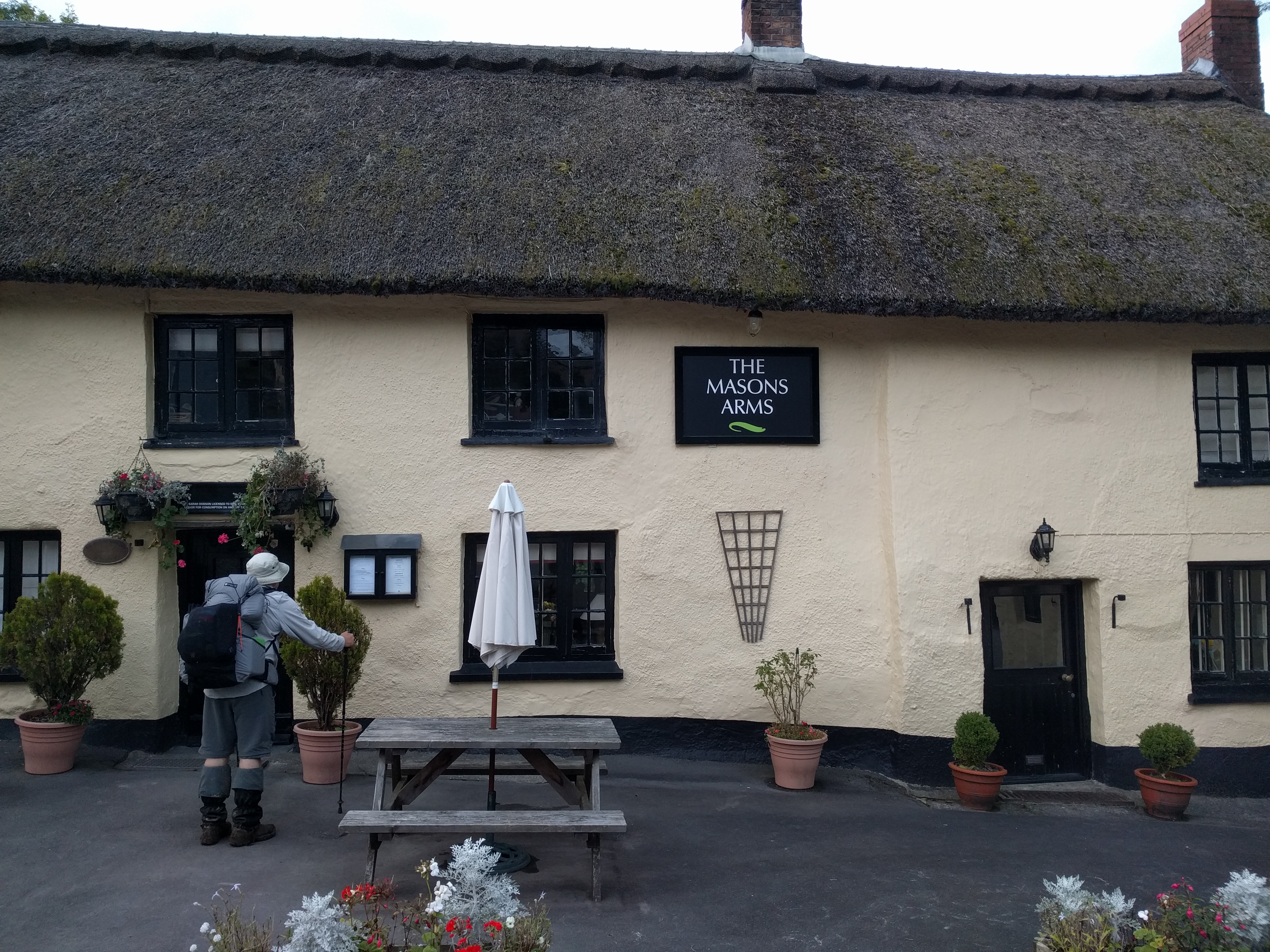 Another closed pub - Knowstone #sh #twomoorsway #DevonC2C