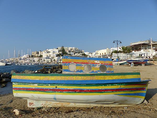 bateau multicolore naxos