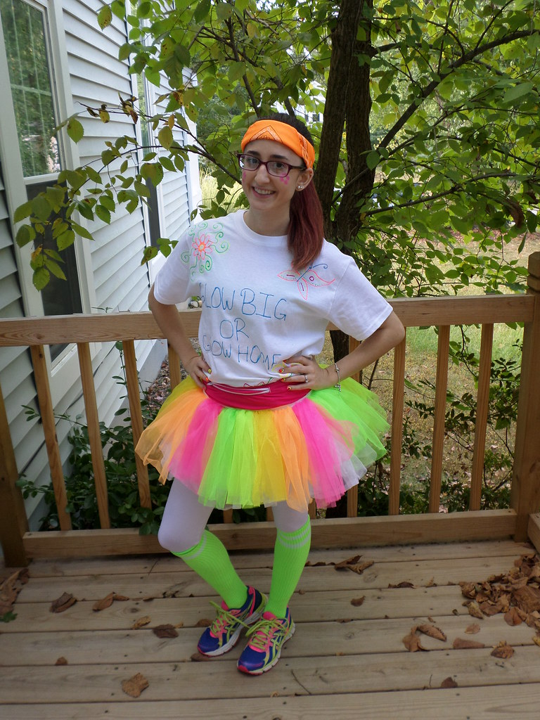 What to wear to a glow run 5k