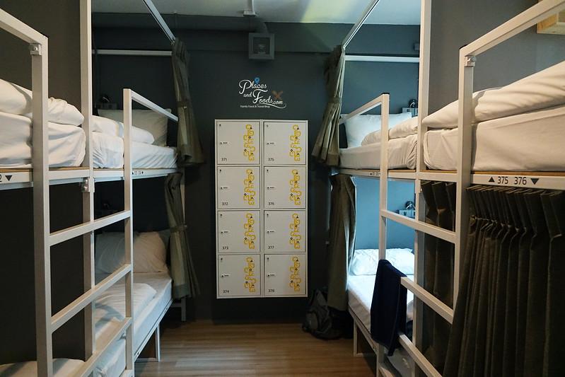 liveituphostel asok 8 bed room