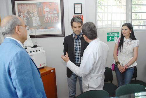 José Tomás dona equipo médico al Hospital Hidalgo