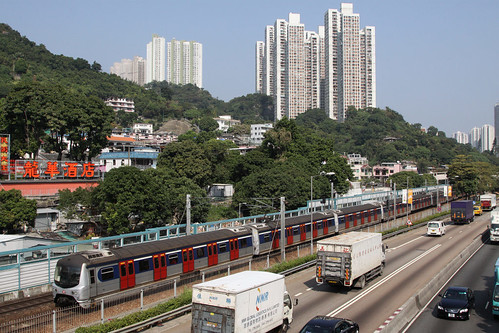 Southbound EMU approaches Sha Tin