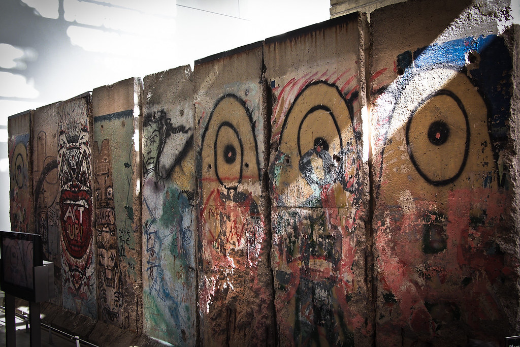 Berlin Wall at the Newseum. Photo: Kevin, CC.