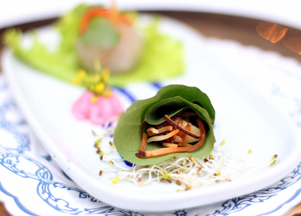 blue-elephant-restaurant-betel-leave-snack-wrap