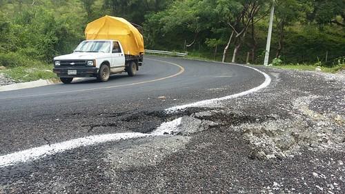"""Hunde """"naturaleza"""" carretera nueva, argumenta alcalde"""