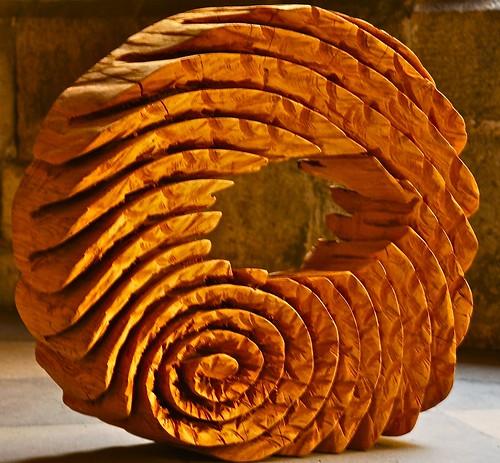 Wood sculpture guimarães portugal pedro ribeiro