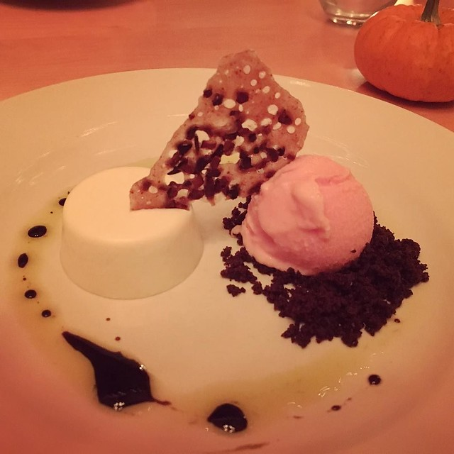 Dessert: chèvre panna cotta. Beet ice cream. Chocolate streusel. Cocoa nib tuile. Thyme and balsamic oil. #cloudlandfarm