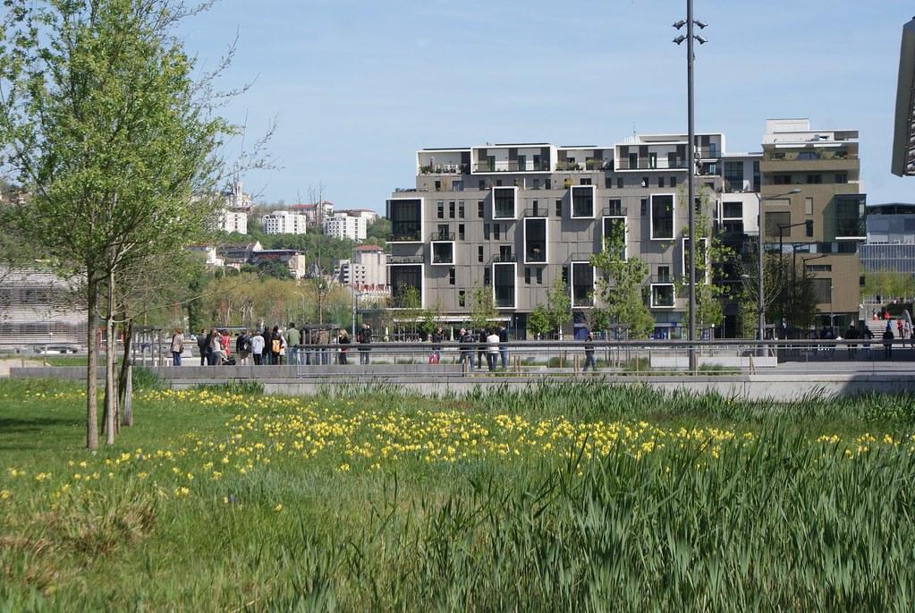 Nouveau quartier de Confluence à Lyon dans la prolongation de Perrache.