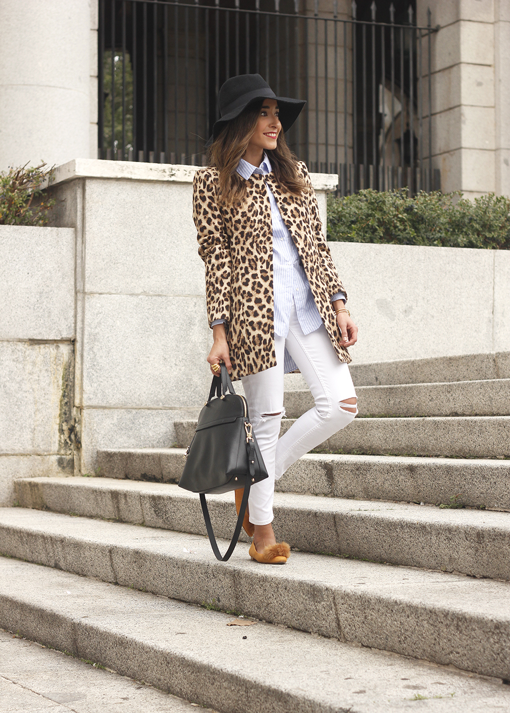 Leopard print coat white ripped jeans flats accesories black hat furla bag aristocrazy ring outfit style15