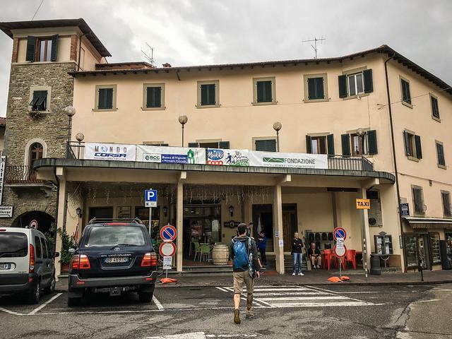 Bar Baccarini, Race HQ