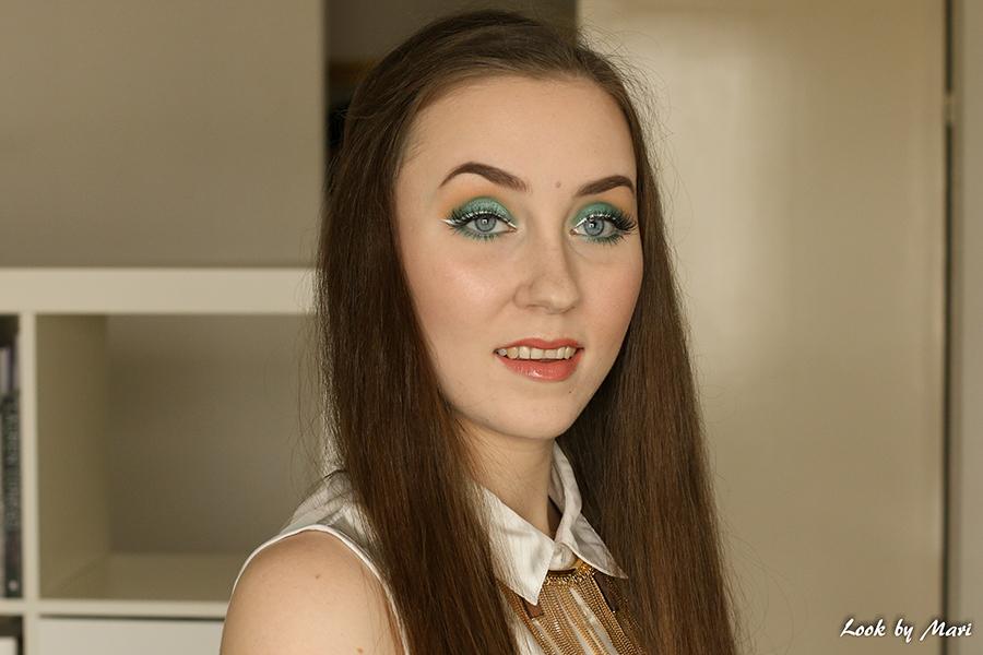 1 white eyeliner makeup look
