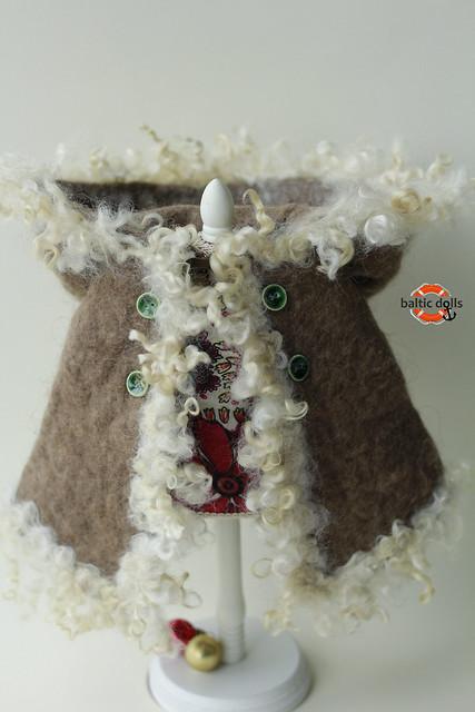 "Winter camel coat for 15"" doll"