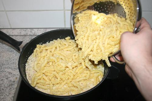 41 - Nudeln hinzufügen / Add noodles