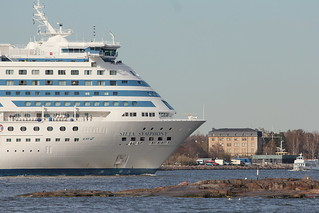 Cruise ship leaving harbour | by catb -
