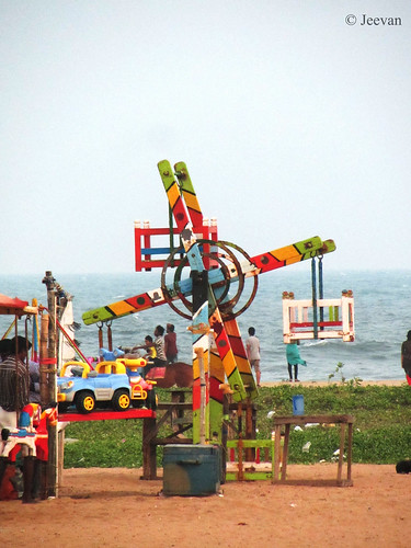 Cute Ferris Wheel @ Elliots Beach
