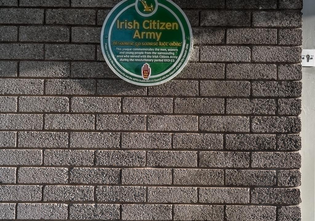 IRISH CITIZEN ARMY MEMORIAL PLAQUE [MARINO COLLEGE]-123081