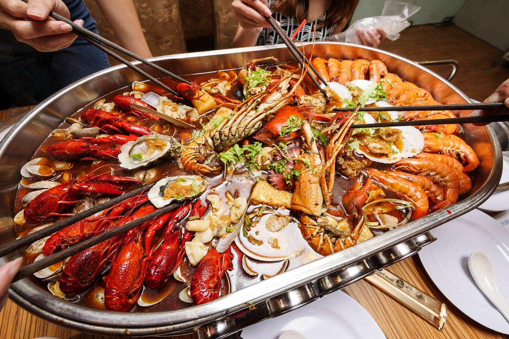 Ming Tang Jiu Gong Ge Hotpot: seafood set for 4-5 pax