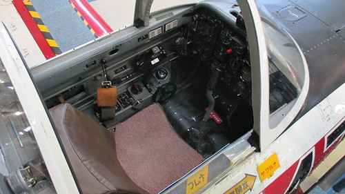 T-3練習機 操縦席 IMG_0636
