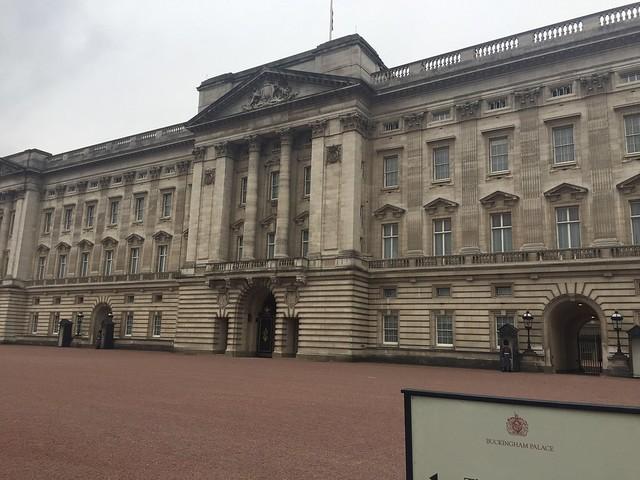 <Buckingham>