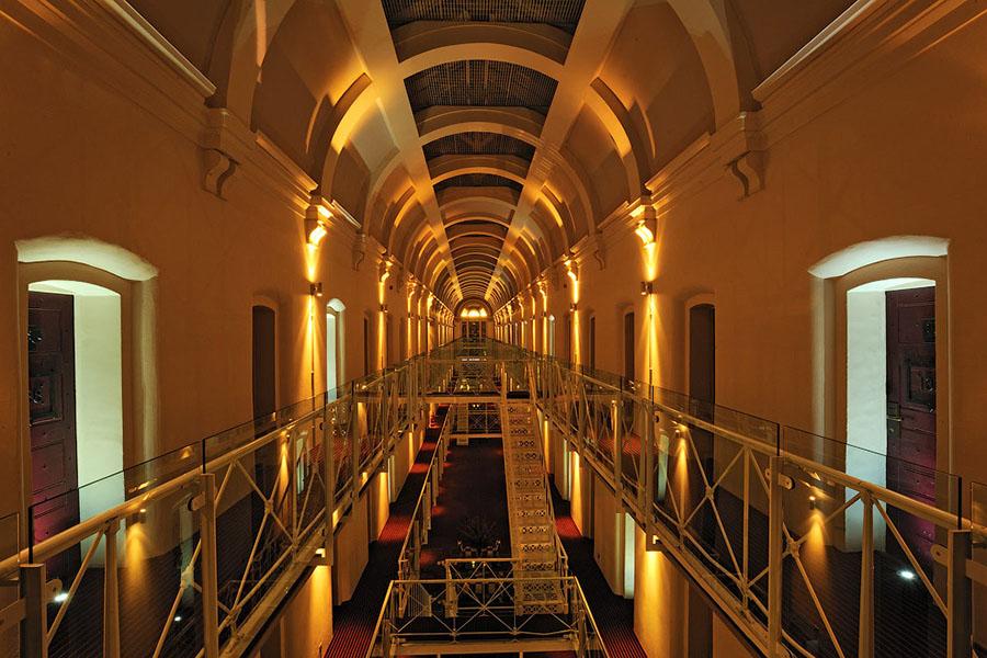 Знаменитые отели с привидениями - ПоЗиТиФфЧиК - сайт позитивного настроения!