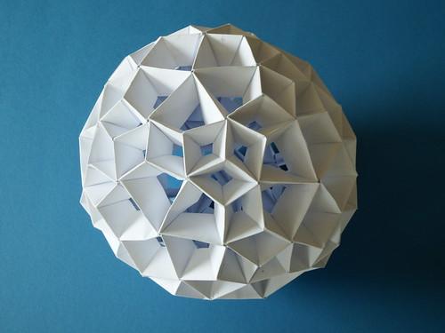 Pentagonal hexacontahedron modular origami variation