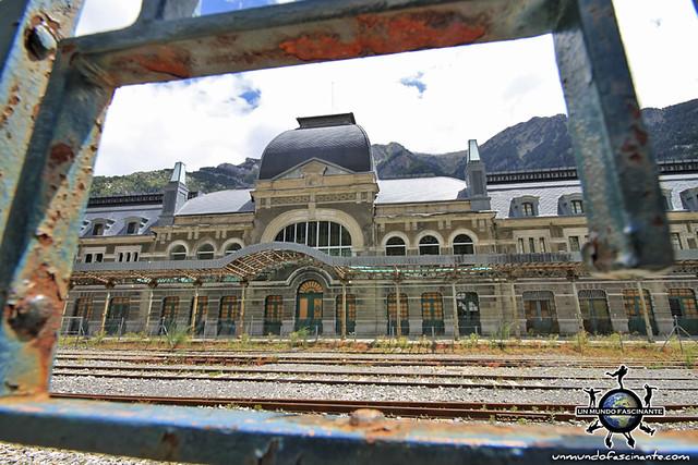 Estación de Canfranc - Huesca, Aragón. España. Spain