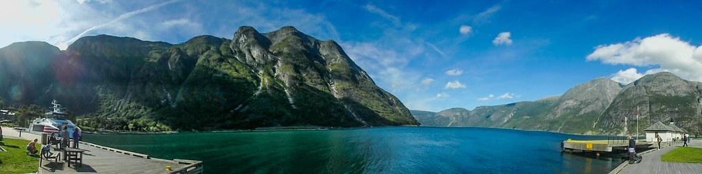 P8290785 Pano  Noruega fiordo Hardanger LR